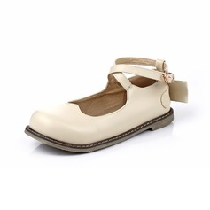 Women's Leatherette Flat Heel Flats Closed Toe With Buckle shoes
