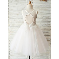 A-Line/Princess Knee-length Flower Girl Dress - Satin/Tulle/Lace Sleeveless Scoop Neck With V Back (010144175)