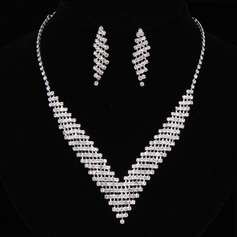 Fashionable Alloy/Rhinestones Ladies' Jewelry Sets