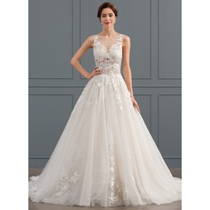 Ball-Gown/Princess Scoop Neck Chapel Train Tulle Wedding Dress