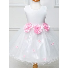 A-Line/Princess Knee-length Flower Girl Dress - Tulle/Polyester Sleeveless Scoop Neck With Sash/Flower(s)