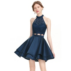 A-Line/Princess Scoop Neck Short/Mini Satin Homecoming Dress (022127932)