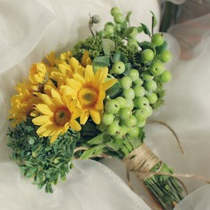 Lovely Free-Form Satin/Artificial Silk Bridal Bouquets -