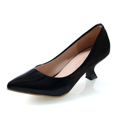 Women's Leatherette Kitten Heel Pumps Closed Toe shoes (085060047)