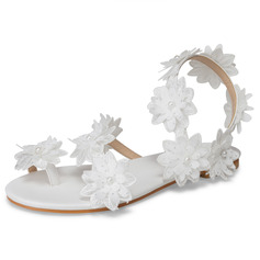 Women's Leatherette Flat Heel Flip-Flops Sandals With Applique
