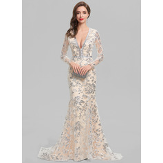 Trumpet/Mermaid V-neck Sweep Train Lace Evening Dress With Beading