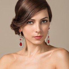 Elegant Alloy/Crystal With Rhinestone Ladies' Earrings