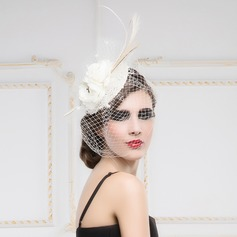 Ladies' Simple Cambric/Feather/Net Yarn Fascinators