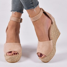 Women's Suede Wedge Heel Wedges shoes (116216271)