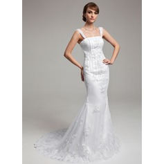 Trumpet/Mermaid Court Train Tulle Wedding Dress With Lace Beading