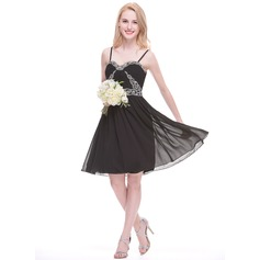 A-Line/Princess Sweetheart Knee-Length Chiffon Bridesmaid Dress With Ruffle Beading Appliques Lace Sequins