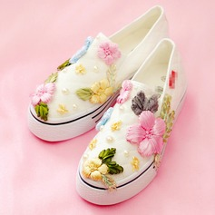 Women's Velvet Flat Heel Flats Closed Toe With Flower shoes