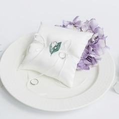 Classic/Dreamy Satin Ring Pillow With Ribbons