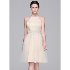 A-Line/Princess Halter Knee-Length Tulle Homecoming Dress With Ruffle Beading Appliques Lace Sequins