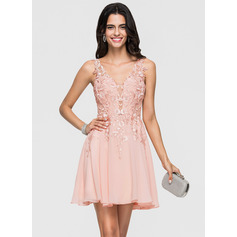 A-Line/Princess V-neck Short/Mini Chiffon Homecoming Dress With Lace Beading (022164860)