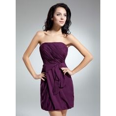 Sheath/Column Strapless Short/Mini Chiffon Homecoming Dress With Ruffle