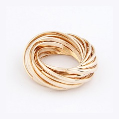 Chic Alloy Ladies' Fashion Rings