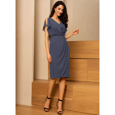 Sheath/Column V-neck Knee-Length Chiffon Cocktail Dress (270214038)