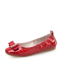 Girl's Closed Toe Patent Leather Flat Heel Flats Flower Girl Shoes With Bowknot