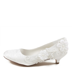 Women's Lace Silk Like Satin Kitten Heel Closed Toe With Stitching Lace Pearl