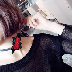 Fashional Cloth Ladies' Fashion Necklace