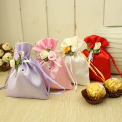Classic Favor Bags With Flowers (Set of 12)