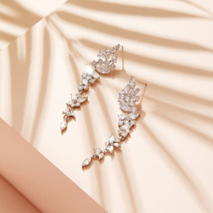 Non-personalized Ladies' Shining Zircon Earrings For Her