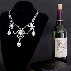 Gorgeous Alloy Rhinestones With Rhinestone Ladies' Fashion Necklace