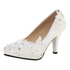 Vrouwen Patent Leather Stiletto Heel Closed Toe Pumps met Strass Stitching Lace Van Toepassing
