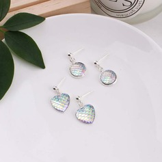 Unique Alloy Acrylic Women's Fashion Earrings (Set of 2)