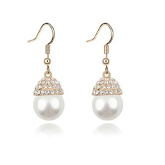 Elegant Alloy/Pearl/Gold Plated Ladies' Earrings