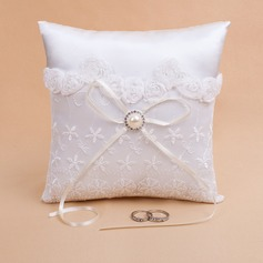 Lovely Ring Pillow in Satin With Pearl/Lace