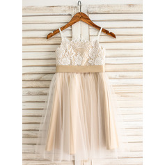 A-Line/Princess Knee-Length Tulle Junior Bridesmaid Dress With Sash Bow(s)