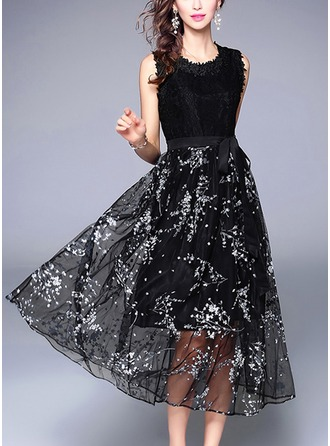Lace With Lace/Mesh/Bowknot/Stitching/Crumple Midi Dress