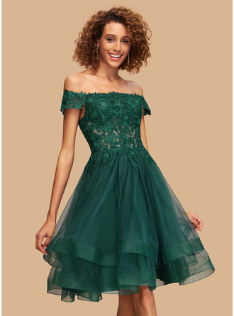 Ball-Gown/Princess Off-the-Shoulder Knee-Length Tulle Homecoming Dress With Lace