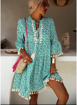 Print Tassel Shift V-Neck 3/4 Sleeves Flare Sleeve Midi Boho Casual Vacation Dresses