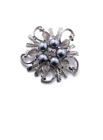 Chic Alloy/Imitation Pearls With Imitation Pearls Ladies' Brooch