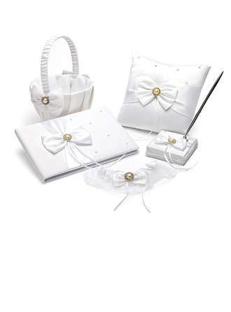 Collection Set in Satin With Pearl Accents