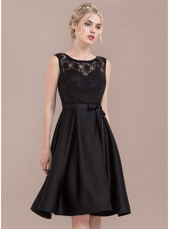 Scoop Neck Knee-Length Satin Lace Bridesmaid Dress