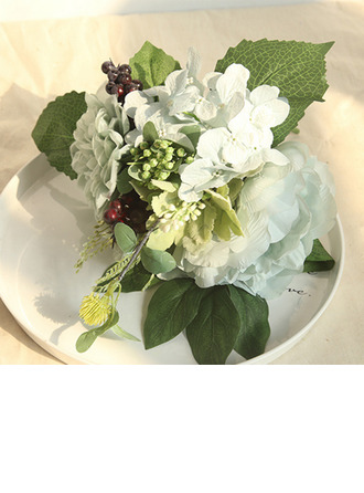 Classic Hand-tied Emulational Berries/Silk Flower/Artificial Flower Bridal Bouquets/Bridesmaid Bouquets (Sold in a single piece) - Bridal Bouquets/Bridesmaid Bouquets