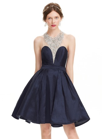A-Line/Princess Halter Knee-Length Taffeta Prom Dress With Beading Sequins