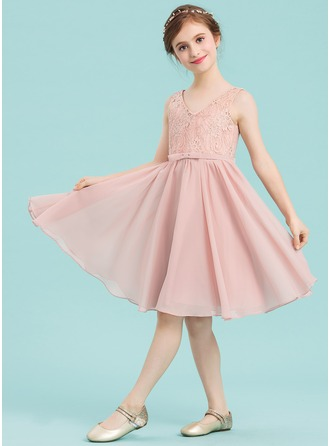 V-neck Knee-Length Chiffon Junior Bridesmaid Dress With Bow(s)