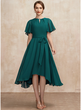 A-Line Scoop Neck Asymmetrical Chiffon Mother of the Bride Dress With Ruffle Bow(s)
