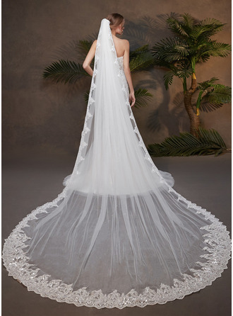 One-tier Lace Applique Edge Cathedral Bridal Veils With Rhinestones/Lace