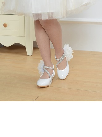 Girl's Leatherette Low Heel Round Toe Closed Toe Pumps With Imitation Pearl Satin Flower Velcro Lace-up