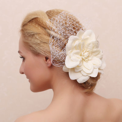Elegant/Flower Shaped Artificial Silk Combs & Barrettes/Flowers & Feathers