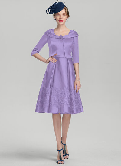 A-Line/Princess Square Neckline Knee-Length Satin Mother of the Bride Dress With Appliques Lace