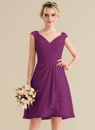 A-Line/Princess V-neck Knee-Length Chiffon Lace Homecoming Dress With Cascading Ruffles