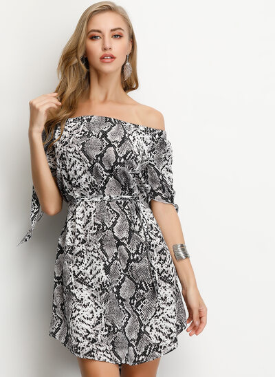 A-Line Off-the-Shoulder Short/Mini Homecoming Dress