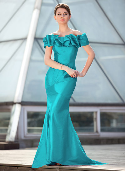 Trumpet/Mermaid Off-the-Shoulder Sweep Train Taffeta Mother of the Bride Dress With Ruffle